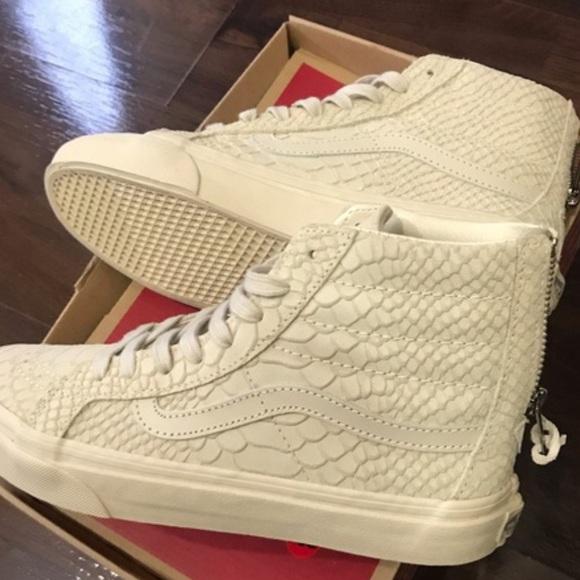 92a58b45323911 Brand New Snake Skin Van Sneakers. RARE